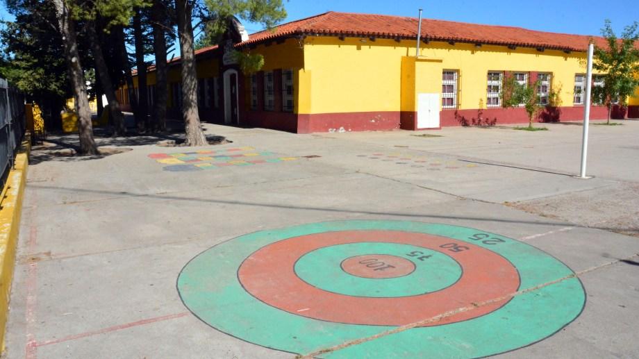 Sin clases en la Escuela N° 1 de la capital rionegrina. Foto: Marcelo Ochoa.