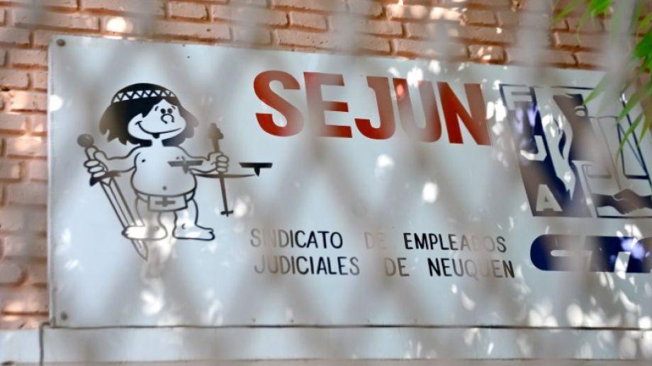 Sejun se suma a la jornada de lucha por 24 horas de trabajadores de la Justicia. (Foto Archivo: Mauro Perez).