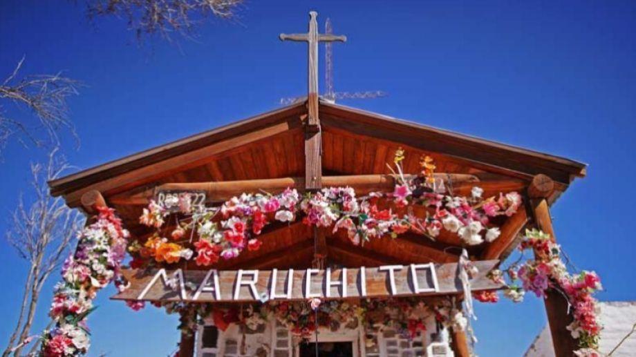 El santuario del Maruchito, el niño que murió por querer tocar la guitarra hace 100 años, esta en la ruta provincial 74, a 10 km de Aguada Guzmán, Río Negro, plena estepa patagónica.