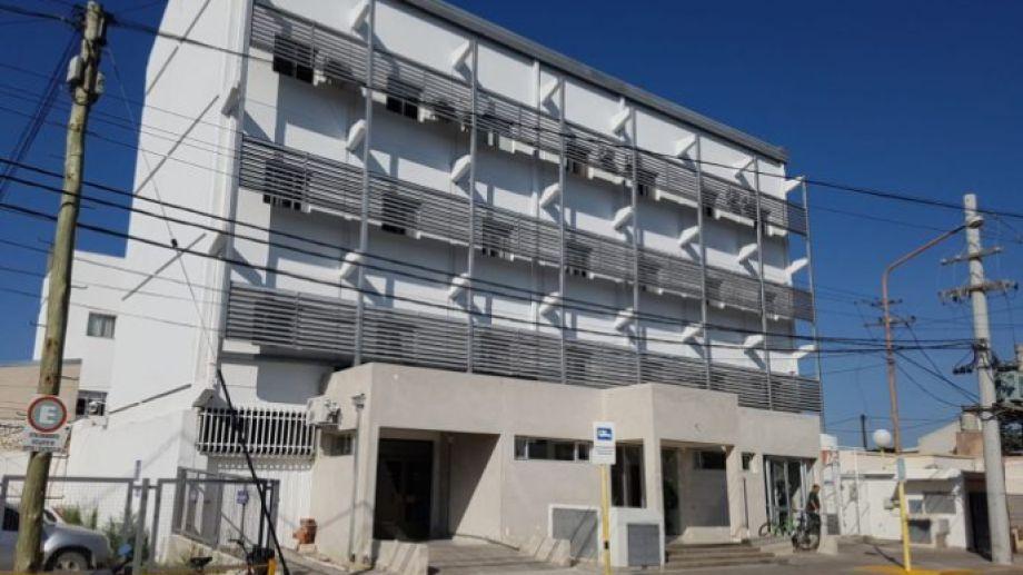 El único caso confirmado de Covid-19 en Regina, se encuentra aislado en la Clínica Central. (Foto Néstor Salas)
