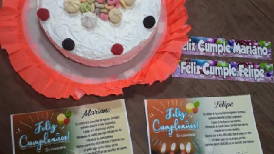 Torta y tarjetas de feliz cumpleaños para cada niño jacobaccino. (Foto: gentileza).