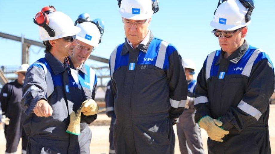 El presidente de YPF, Guillermo Nielsen, aseguró que el barril criollo para la firma solo se aplicará al pago de regalías.