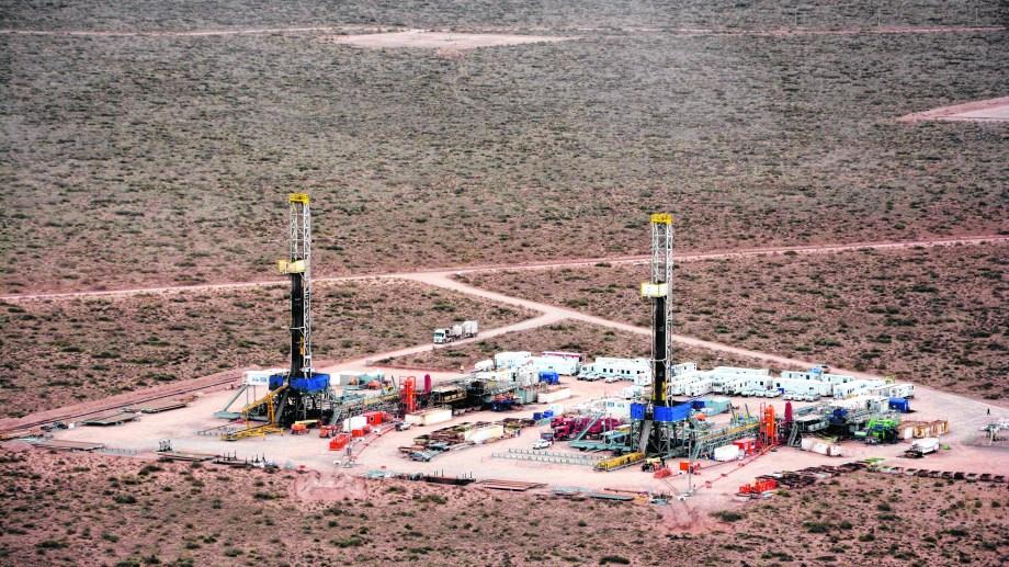 Las partes analizaron la crisis petrolera y las formas para tratar de sostener el empleo.