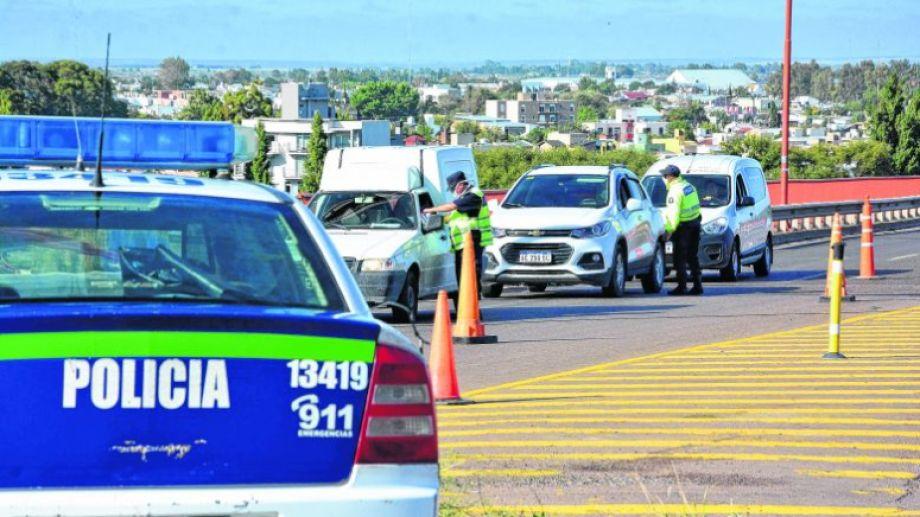 Los operativos en rutas y calles de la provincia derivaron en la detención de unas 1.400 personas.