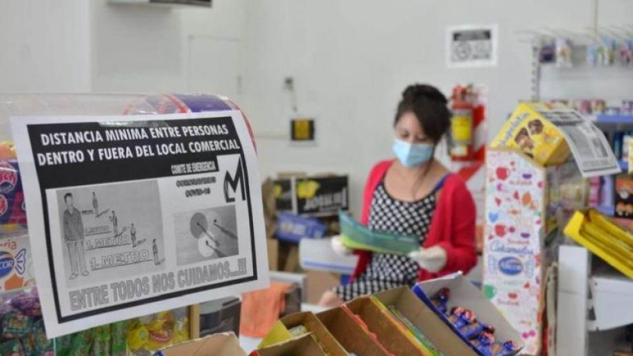 Comerciantes respetan las medidas vigentes dispuestas por el municipio. (Foto: gentileza municipalidad de Los Menucos).