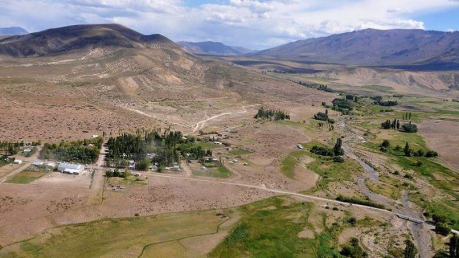 El parque fotovoltaico estará en el paraje El Alamito frente a Villa Curi Leuvú, a 20 kilómetros de Chos Malal.