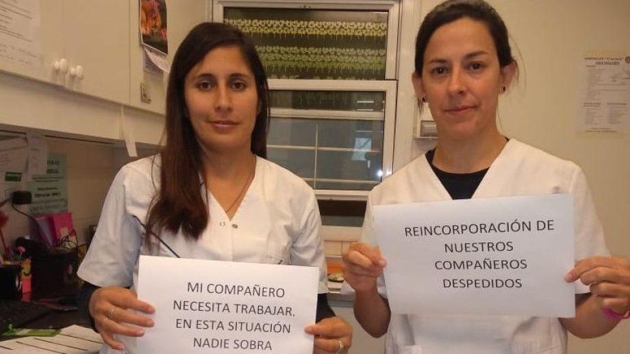 Trabajadoras del hospital Ramón Carrill se sumaron a la campaña de ATE en redes sociales para pedir por los despidos en plena pandemia.