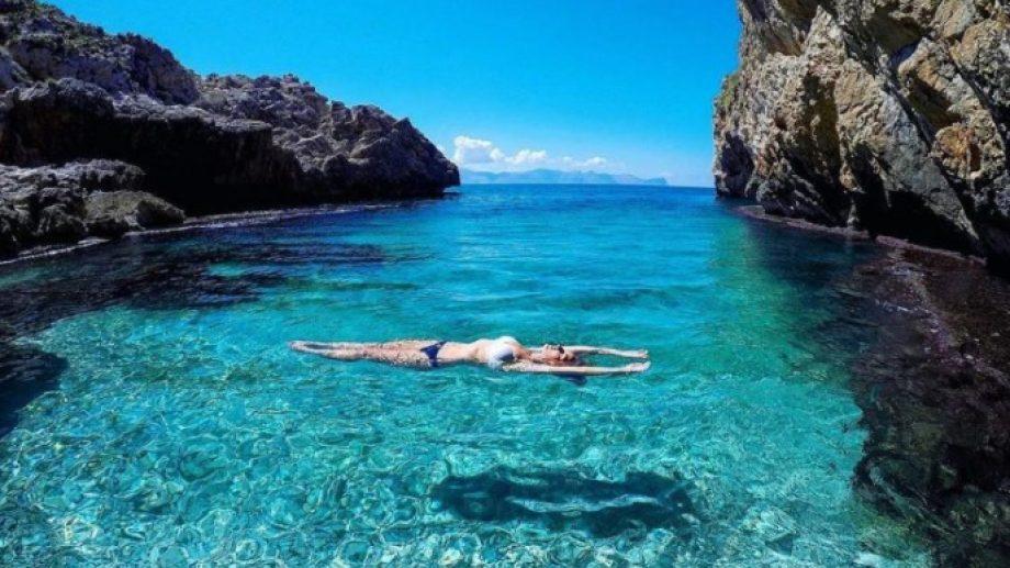 Sicilia, paradisíaca isla en el Mediterráneo. Ofrece pagar la mitad de los vuelos y un tercio del hospedaje cuando se pueda volver a viajar.