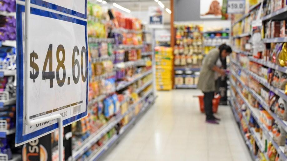 Control de precios (foto Florencia Salto)