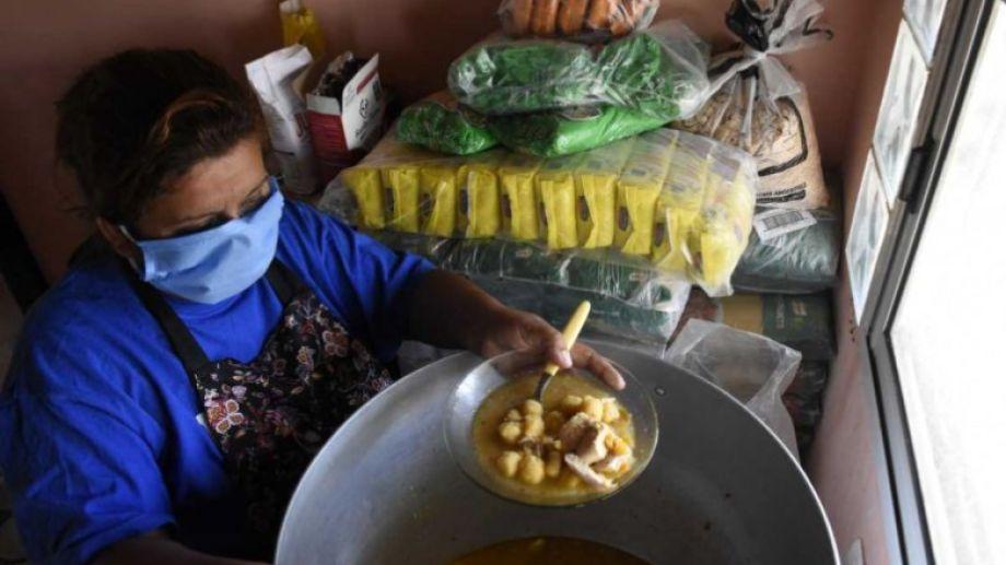Comedores barriales piden aportes para seguir ayudando a las familias más vulnerables. (Archivo Florencia Salto).-