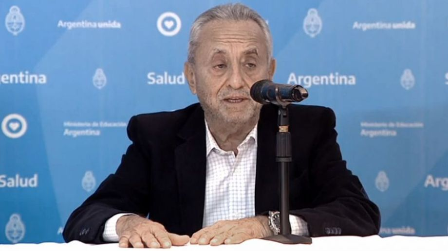 Pedro Cahn, infectólogo, es uno de los especialistas que asesora al gobierno. Foto Télam.