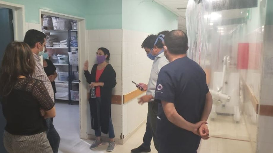 La ministra de Salud, Andrea Peve, recorrió hoy el hospital de Cutral Co.