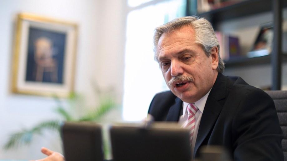 El mandatario argentino durante la charla con el presidente electo de EE. UU.