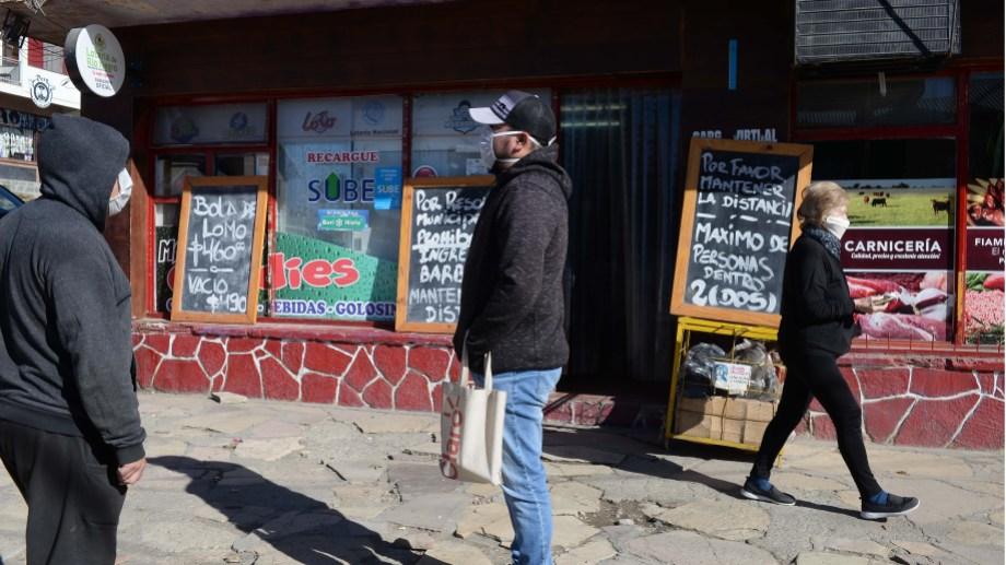 En Bariloche desde mediados de mayo se permite la actividad de todos los comercios, con algunas restricciones. Archivo
