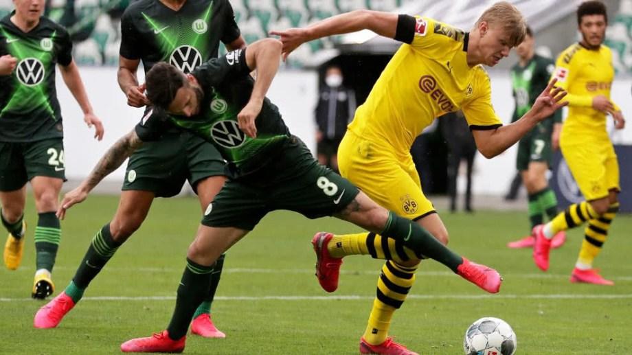 Borussia Dortmund superó al Wolfsburgo y sigue siendo el único escolta.