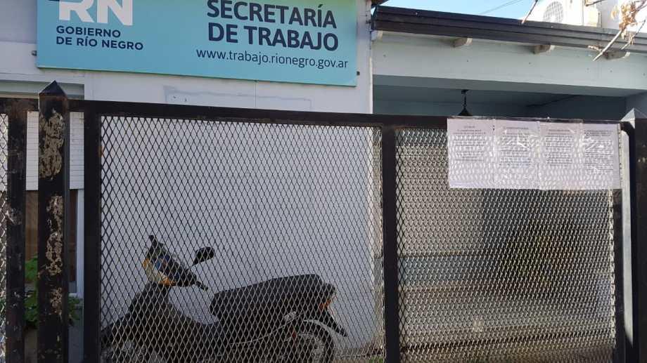 Piden por la continuidad en el cargo del delegado de Trabajo en Regina. (Foto Néstor Salas)