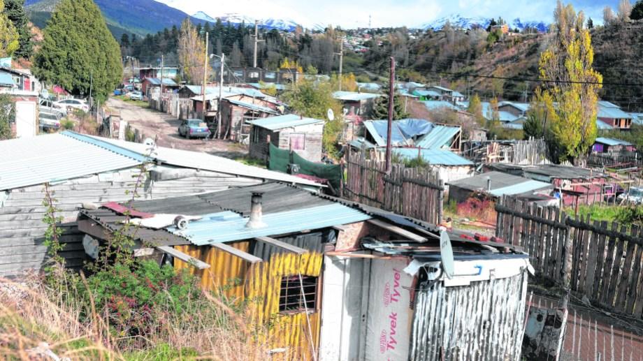 Las reacciones en los barrios por la culpabilidad en los contagios preocupa a las investigadoras.