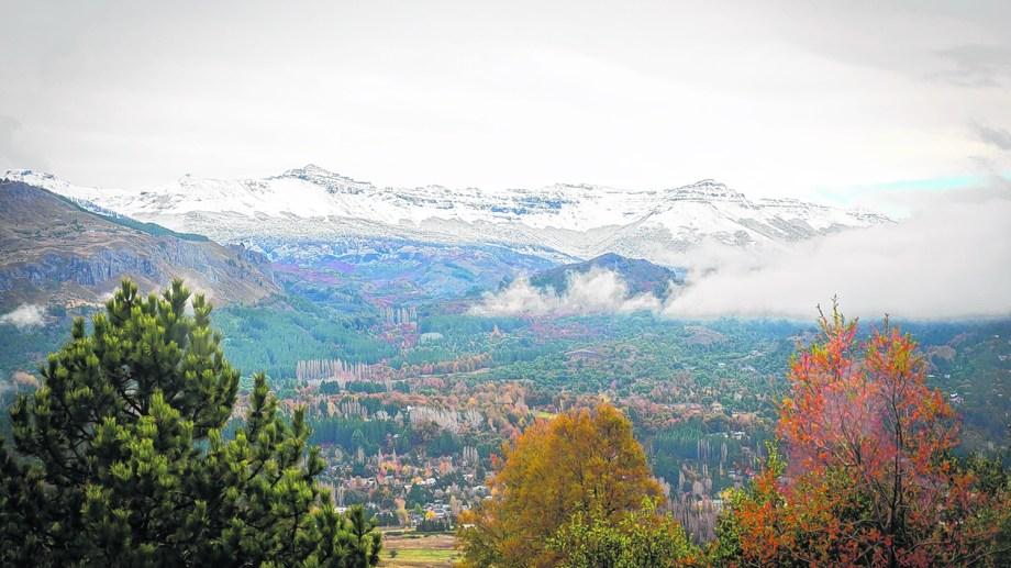 Chapelco recibió las primeras nevadas en pleno otoño. Foto: Patricio Rodríguez