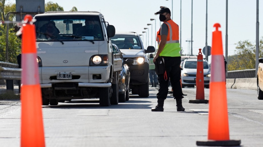 Control estricto en los puentes carreteros (Foto Florencia Salto)
