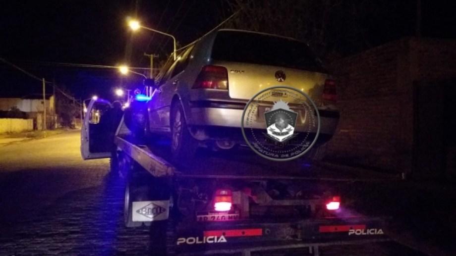 Circulaba en su auto con sus amigos. La policía lo detuvo manejando con 1,87 gramos de alcohol en sangre y sin licencia. (Foto: Gentileza).