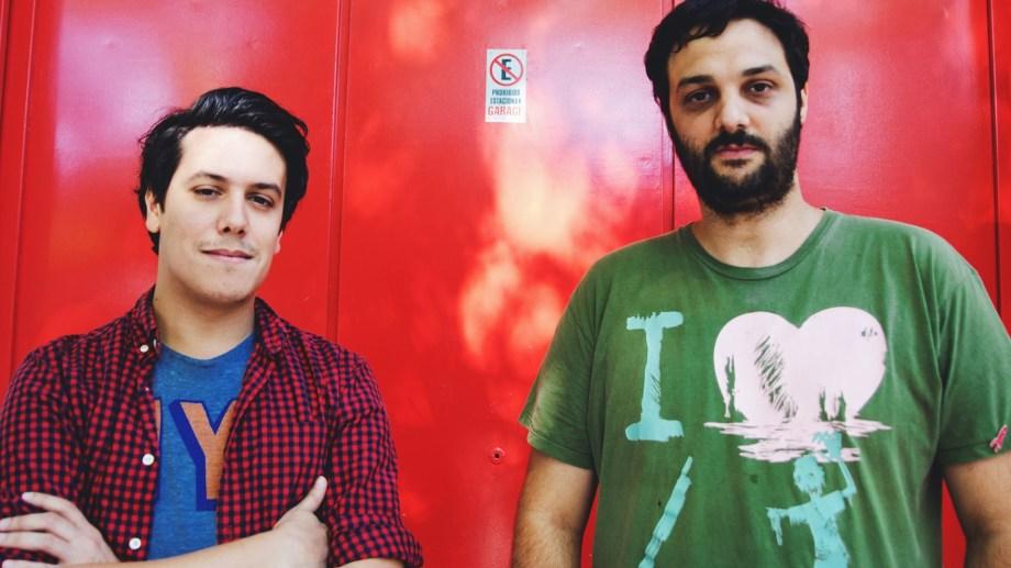 Luciano Banchero junto a Diego Dell' Agostino. Juntos crearon Posta, la red de podcast que más contenido ofrece en el país.