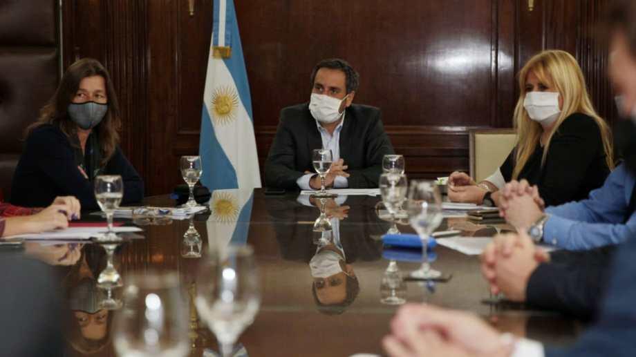 Ministros del gobierno nacional y funcionarios del Ejecutivo provincial se reunieron este miércoles en Buenos Aires. (foto Gentileza)