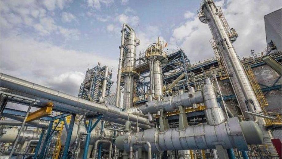 La demanda de combustibles permitió la reactivación de la refinería de Dock Sud.