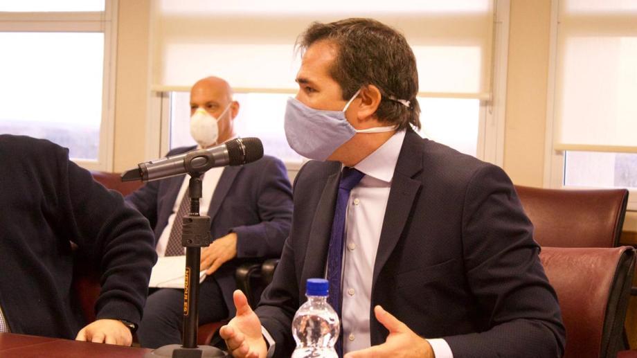 Gerez fue a la comisión A acompañado de dos fiscales jefe. (Gentileza)