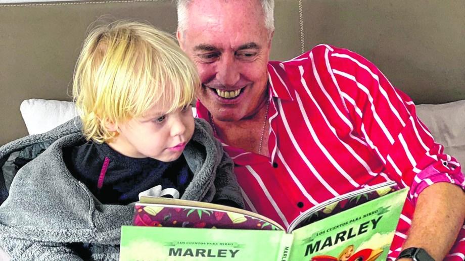Leer ayudó a Marley a enfrentar su timidez en la infancia.