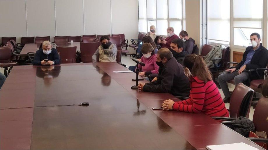 Los legisladores recibieron a los delegados en la sala de comisiones. Foto: gentileza.