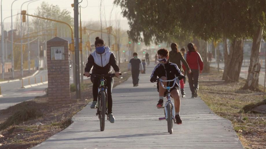 El segundo domingo de salidas en Neuquén registró menos movimiento según la Municipalidad. (Foto: Oscar Livera)