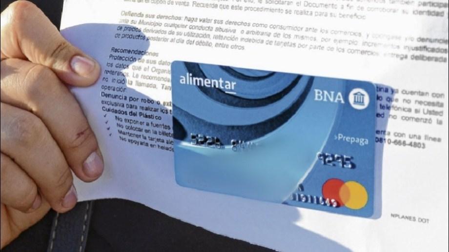El lunes comenzará la distribución de las tarjetas alimentar a beneficiarios de Regina. (Foto archivo)