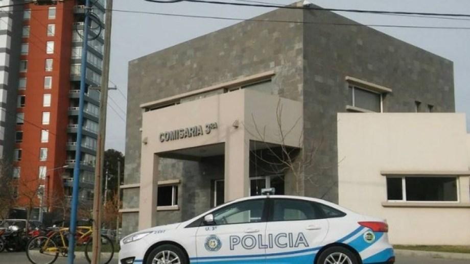 El personal de la Comisaría Tercera tomó intervención anoche en el caso que ahora se tramita en la justicia rionegrina. (foto: archivo)