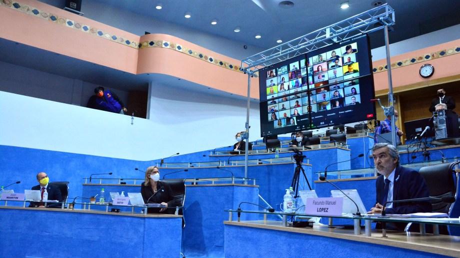 Por primera vez el parlamento rionegrino sesionó en forma remota. Foto: Marcelo Ochoa.