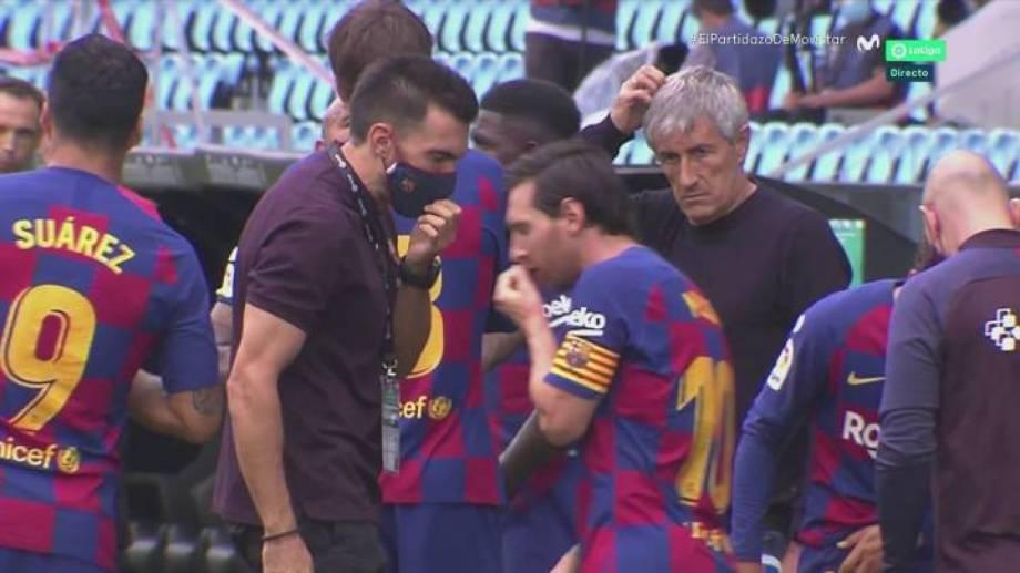 El gesto de Messi a Sarabia fue captado por la televisión española.