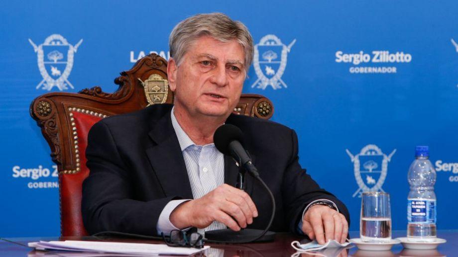 Ziliotto anunció las medidas este jueves en conferencia de prensa. Foto: Julián Varela para Télam.-