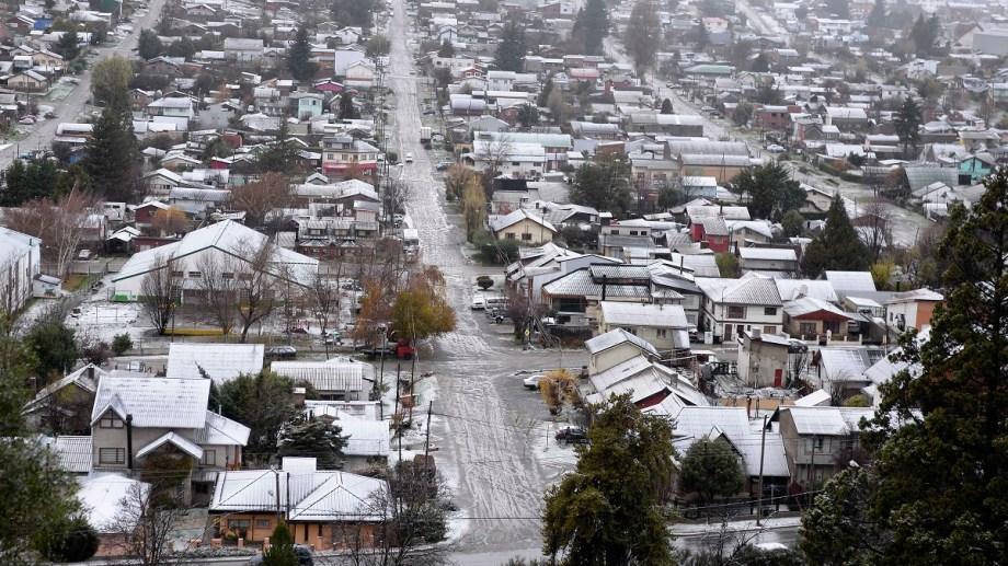 En Bariloche viven alrededor de 140 mil personas y hubo hasta ahora 257 contagiados de los cuales 171 se curaron, según la información oficial. (Foto Archivo)