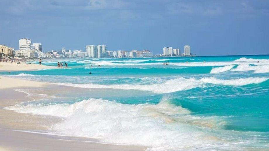 Cancún, el paraíso del Caribe mexicano, recibe a los primeros turistas luego de la cuarentena.