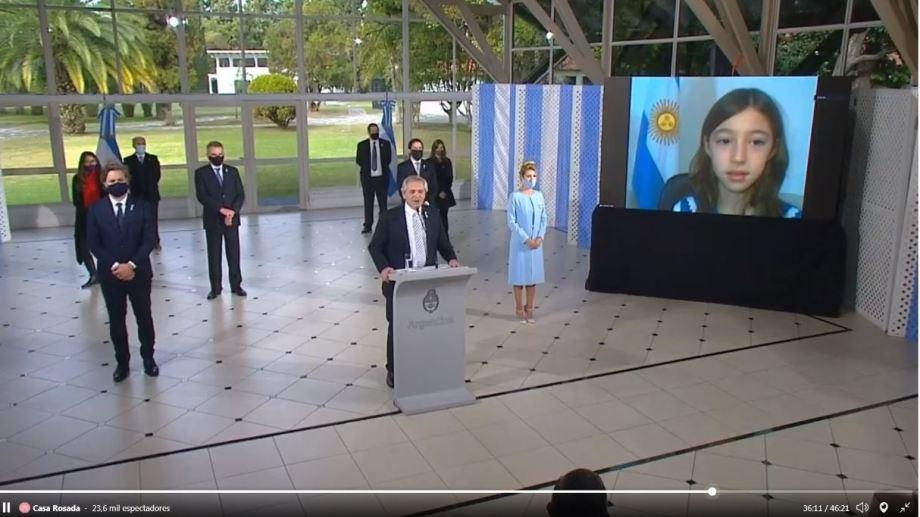 El presidente habló por videoconferencia con Celina Uribe de Plottier. Captura video Casa Rosada
