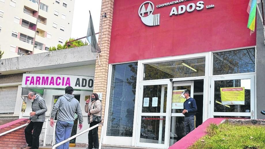Uno de los casos confirmados en el Ados es una persona allegada al conglomerado de Las Perlas. Foto: Yamil Regules