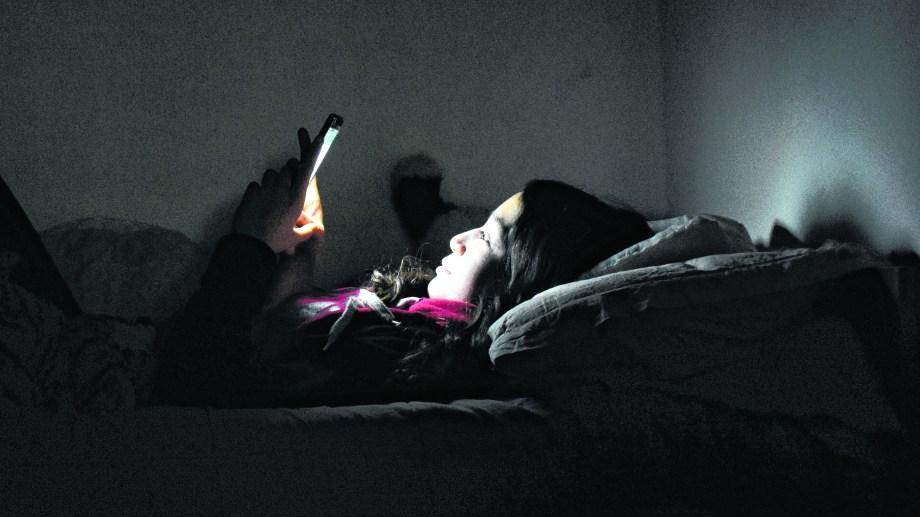 Los niños son los más perjudicados por el uso excesivo de dispositivos electrónicos. (Florencia Salto).-