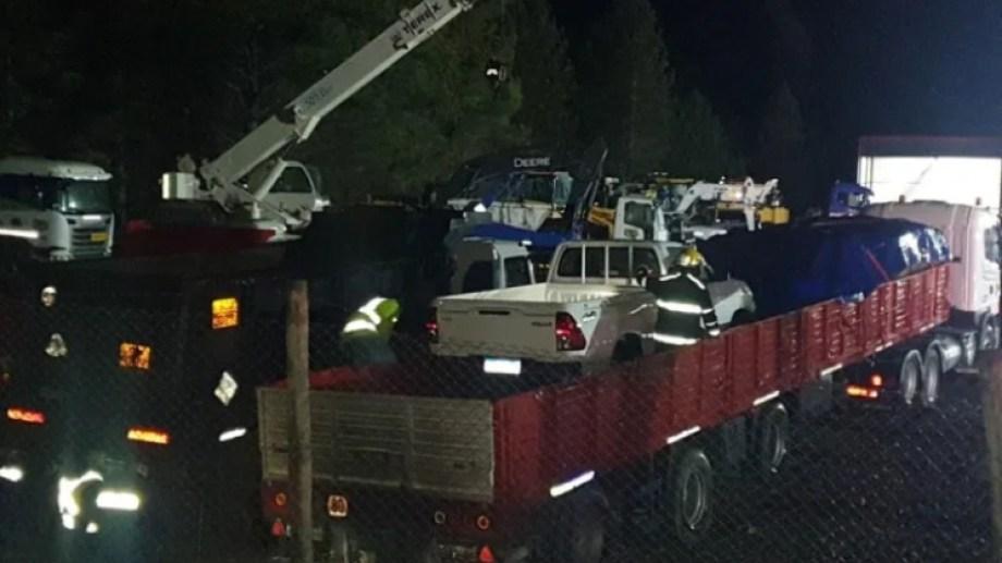 Arrojaron tres bombas molotov en un predio con camiones de Transporte Crexell, ubicado el Ruta 40 en San Martín de los Andes. (Foto: Gentileza Leo Casanova, Realidad Sanmartinense).