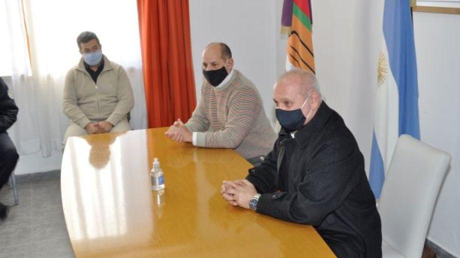 El Ministro de Salud, Fabián Zgiab y el intendente Carlos Toro dispusieron el cordón sanitario para Jacobacci, a partir de hoy. (Foto: José Mellado).