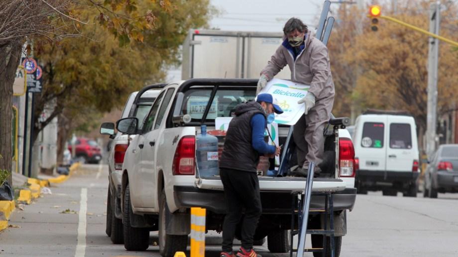 Señalizan bicicalle de Antártida Argentina (foto Oscar Livera)