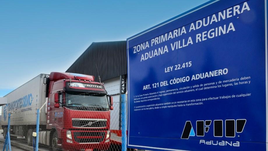 Un profesional tenía que controlar una carga en la Aduna de Regina y fue diagnosticado con covid-19. (Foto Néstor Salas)