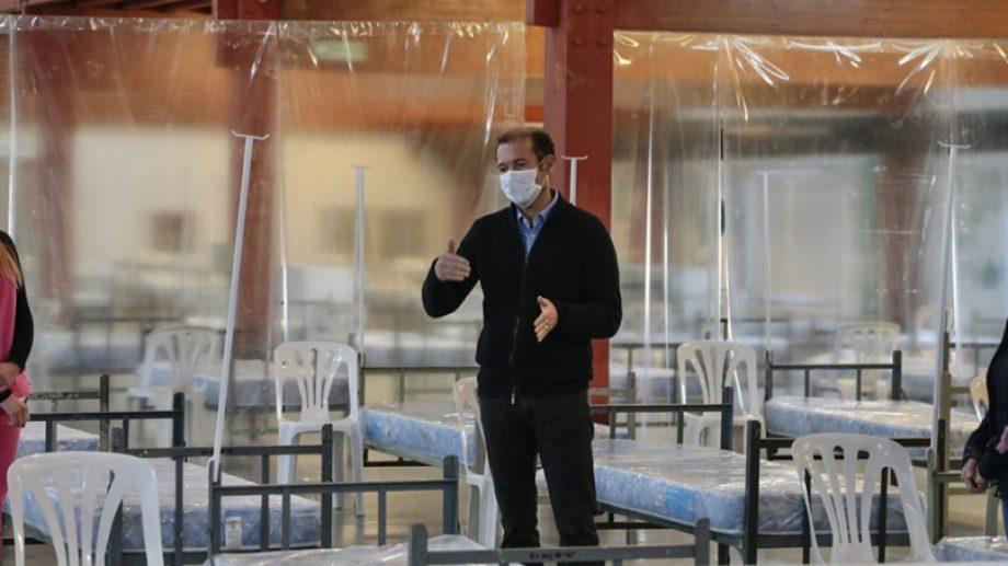 El gobernador Omar Gutiérrez recorre el lugar. Foto: Prensa de Gobierno