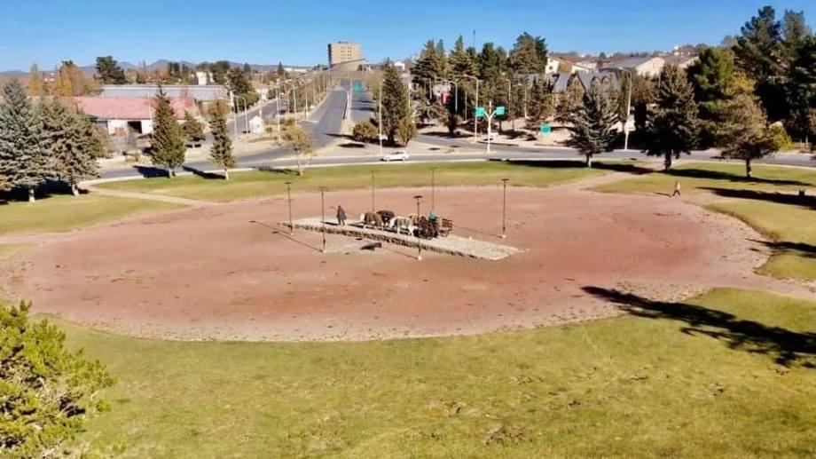 La localidad del centro neuquino tendrá circulación hoy y comercios abiertos. Municipalidad de Zapala
