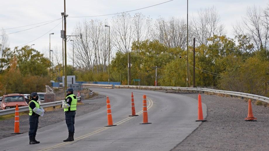 Desde el 24 de marzo está cerrado el puente cinco Saltos Centenario (Oscar Livera)