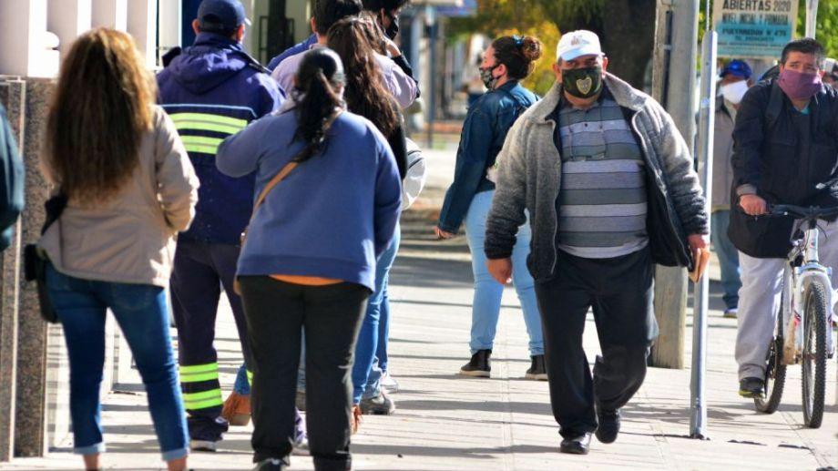 El uso de tapaboca disminuye el riesgo de contagio.  Foto: Marcelo Ochoa