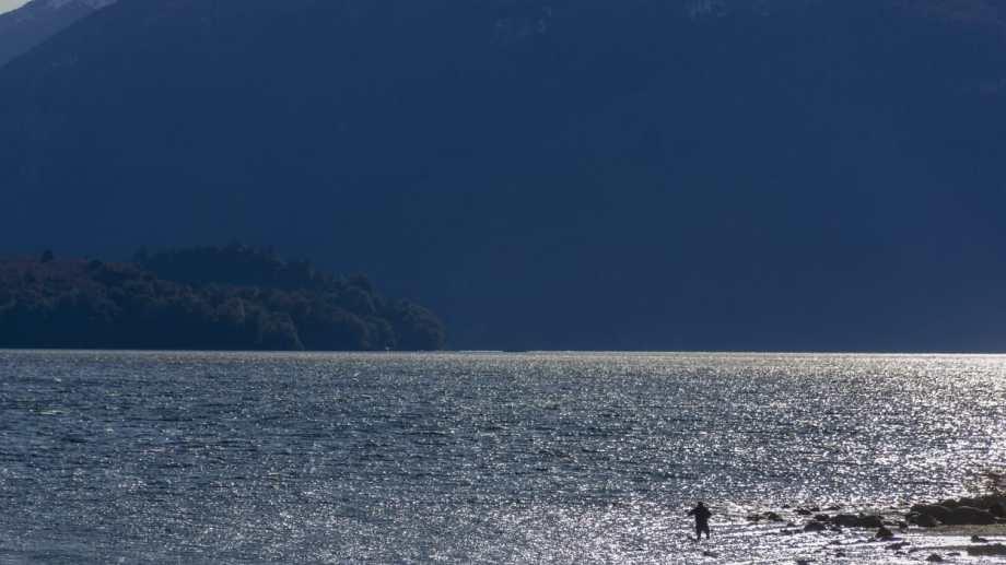 Pesca en el lago Logog. Autorizada en estos días. Foto: Patricio Rodríguez